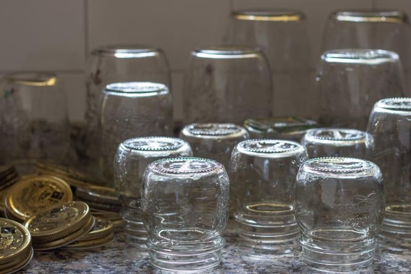 Wie kann man Marmelade steril abfüllen?
