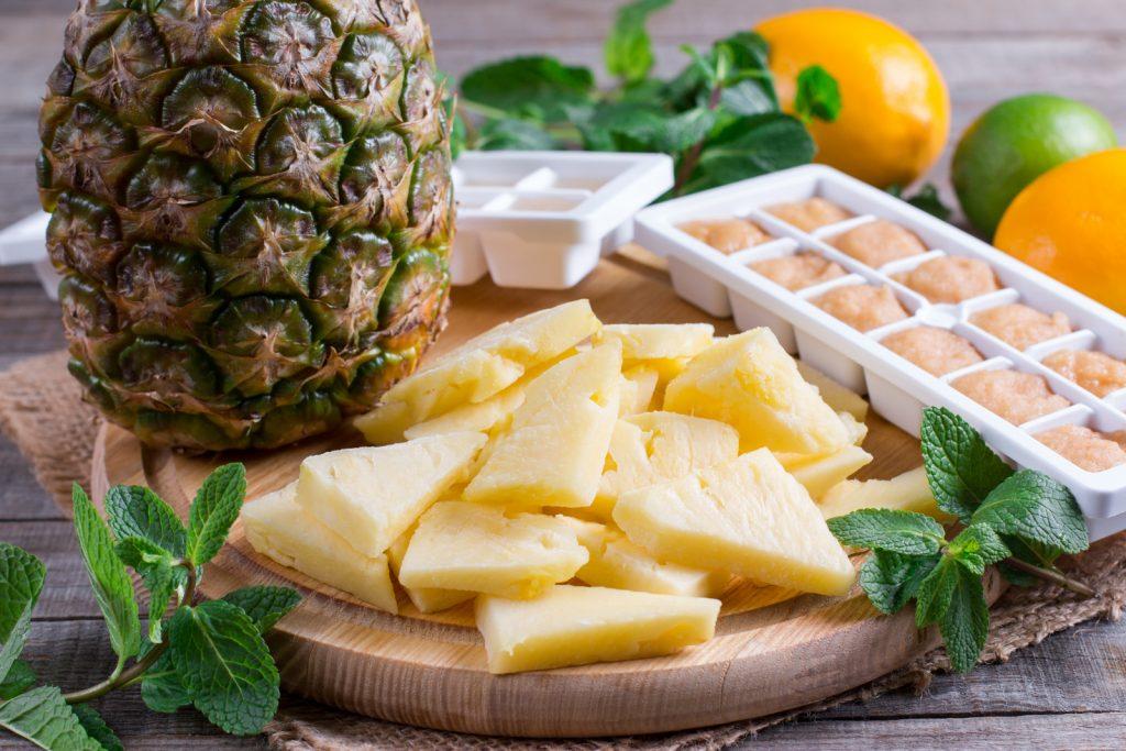 Wie friert man Ananas ein?
