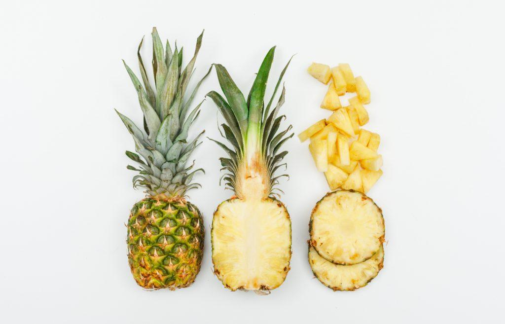 Ananas teilen und einfrieren