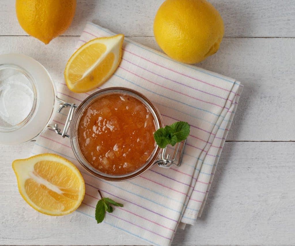 Wie kann man Zitronen haltbar machen