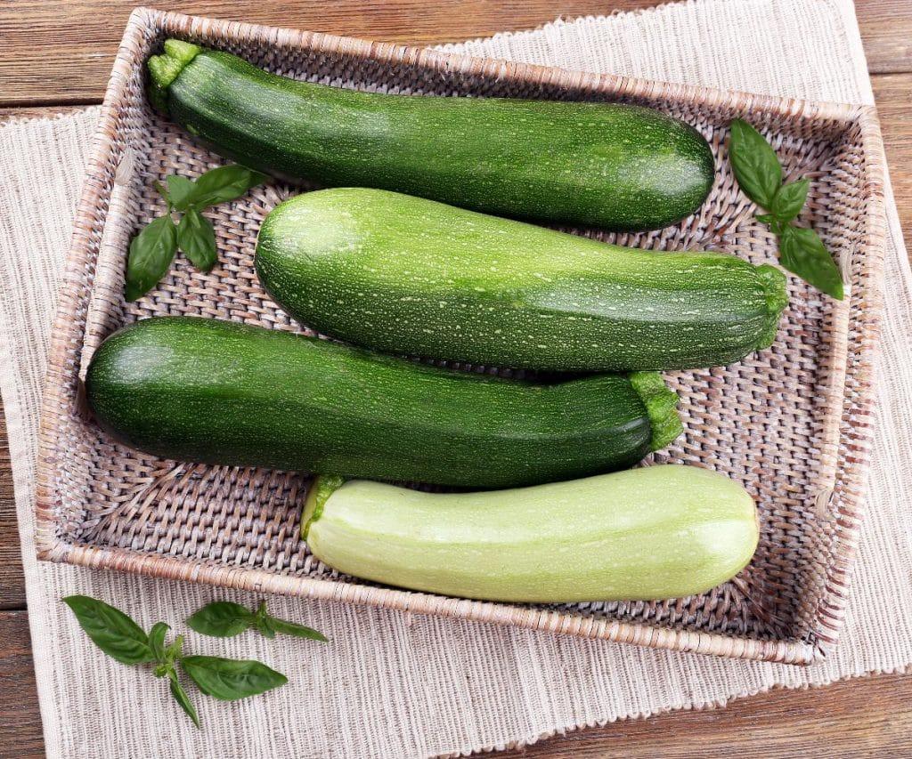 Wie kann man Zucchini haltbar machen