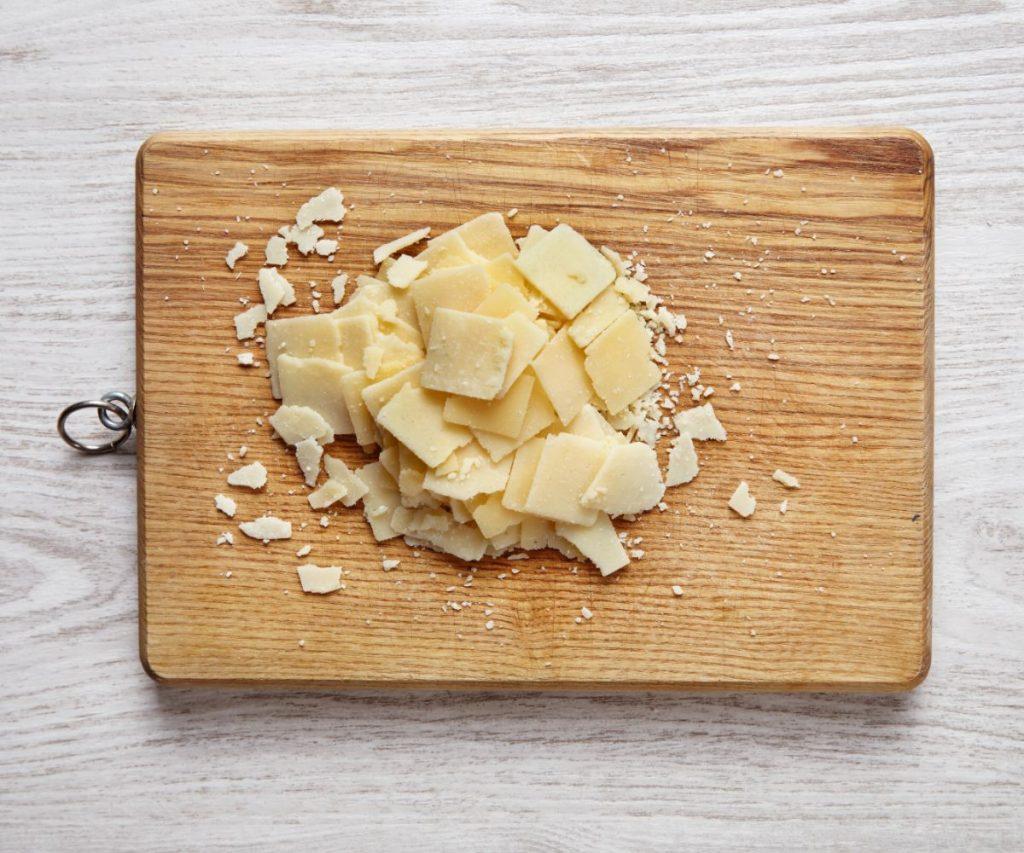 Wie lange ist Parmesan haltbar?