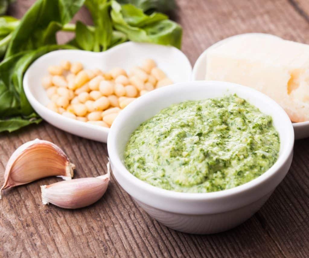 Woran erkennt man schlechtes, abgelaufenes Pesto?