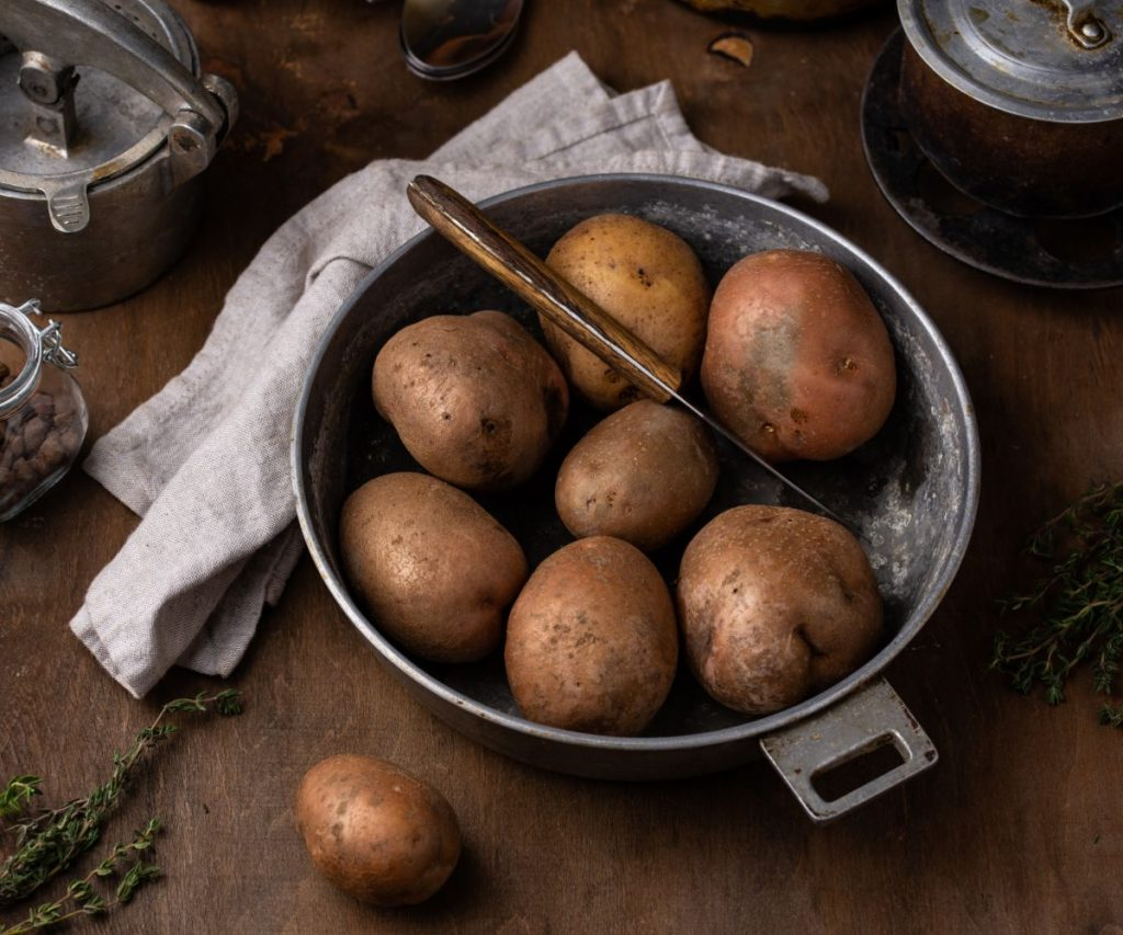 Sollte man Kartoffeln für Bratkartoffeln vorher garen?